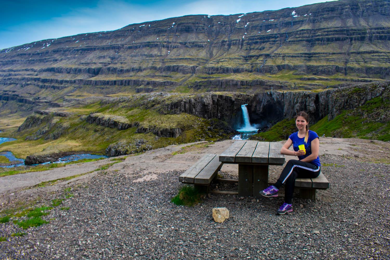 Islanda Picnic Table Waterfall Beautiful View
