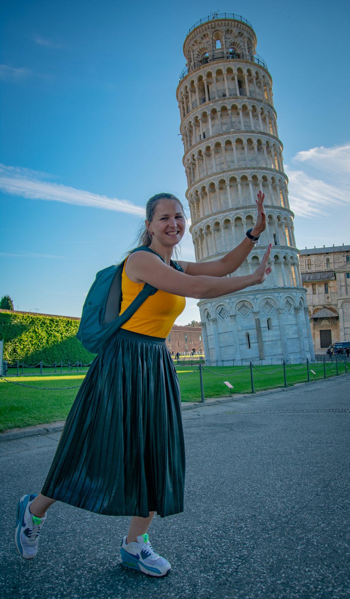 pisa leaning tower italia